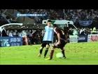 Caño de Messi a Rincon (Arg 3-0 Ven)